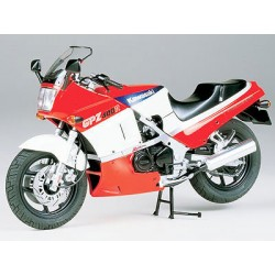 Tamiya 14045 Kawasaki GPZ400R Kit - CF445